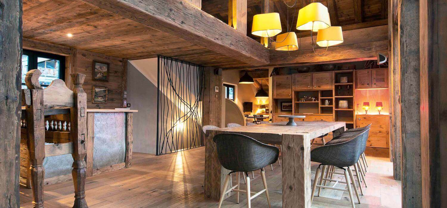 Luxury ski chalets in val d 39 is re hip hideouts for Wanders chalet